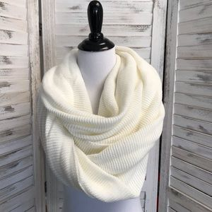 Infinity Scarf in Ivory